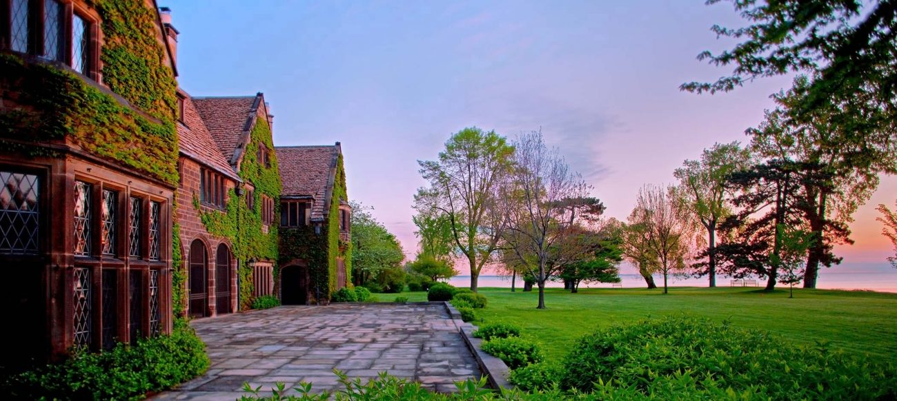 Edsel & Eleanor Ford House at dawn