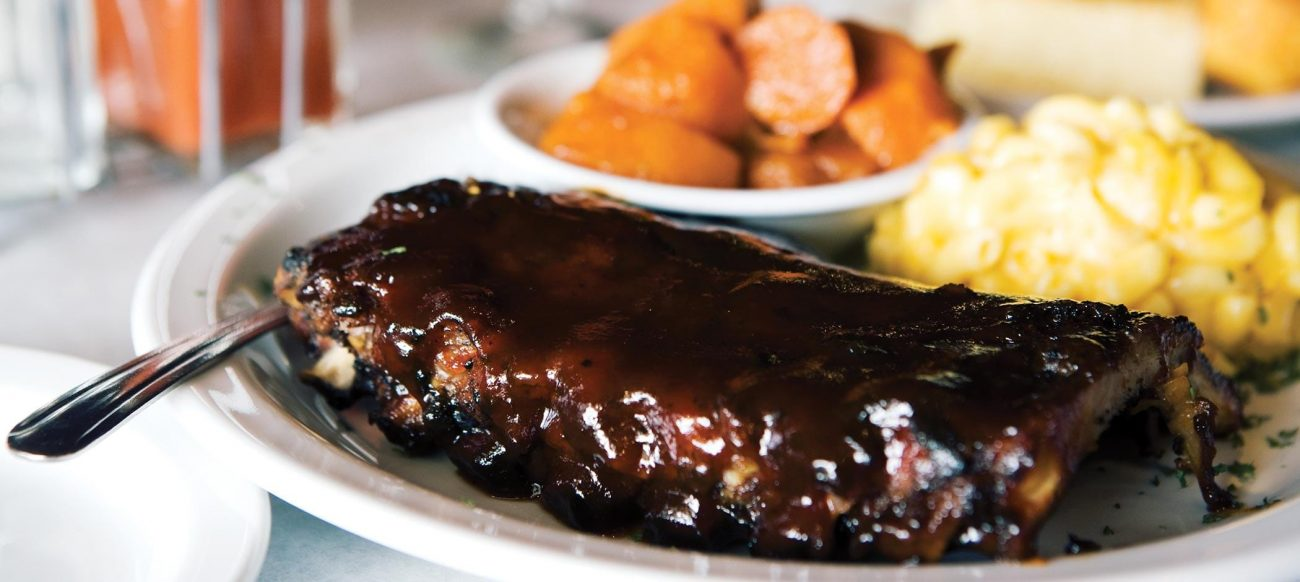 Ribs at Beans & Cornbread, Novi restaurants and