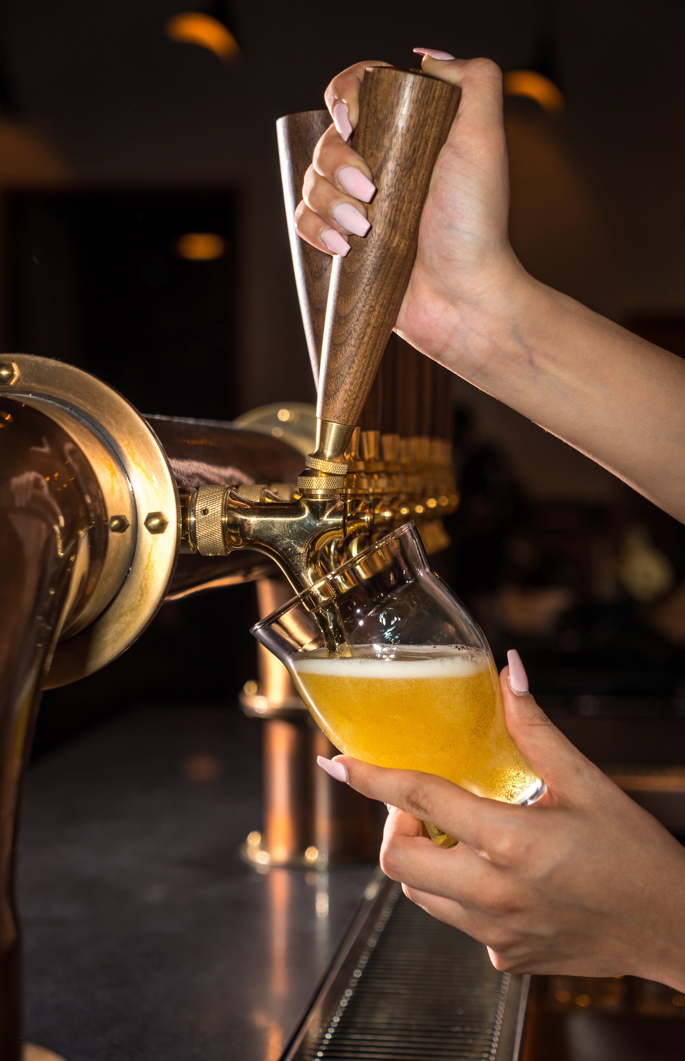 Pouring a beer at the Brakeman