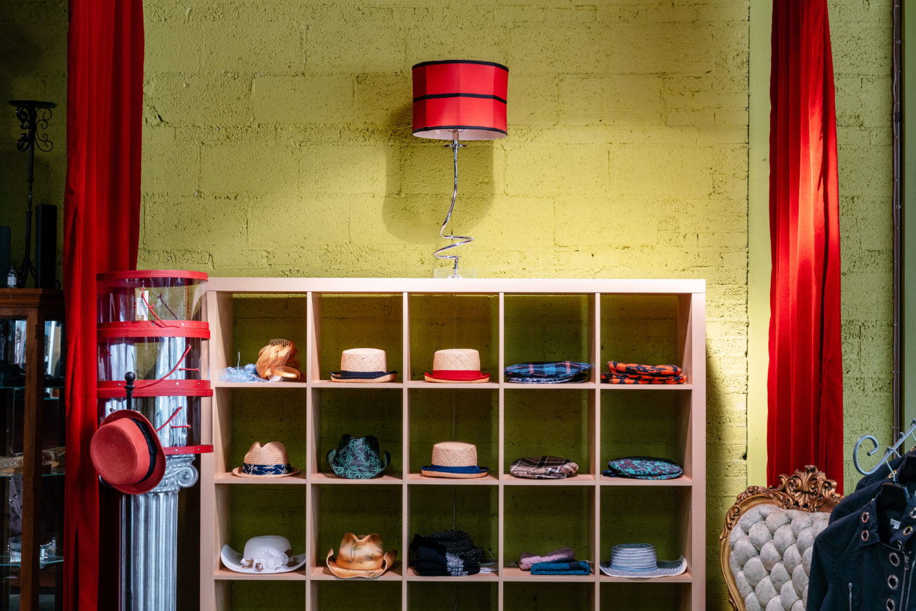 Simplycasual Clothingstore hat display